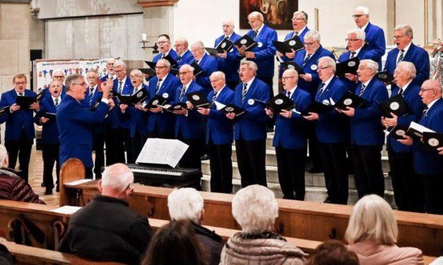 Männerquartett 1881 Bottrop: Bläser und Sänger im Kirchenkonzert